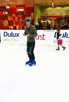 NEW unseen pic of louis ice skating!