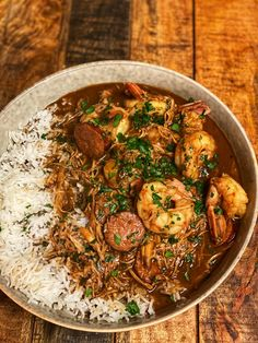 Want a fabulous recipe for the best New Orleans style gumbo? Louisiana Recipes, Cajun Recipes, Southern Recipes, Seafood Recipes, New Recipes, Soup Recipes, Dinner Recipes, Cooking Recipes, Recipies