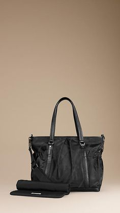 Burberry Changing Tote Bag  #ConvertToBlack