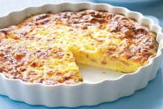 Quiche Lorraine without dough recipe Weight watchers. I propose you a tasty recipe of quiche lorraine without paste, simple and easy to realize. Quiche Recipes, Ww Recipes, Casserole Recipes, Easy Dinner Recipes, Breakfast Recipes, Cooking Recipes, Breakfast Quiche, Breakfast Casserole, Family Recipes