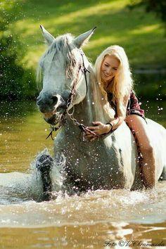 A girl & her horse...enjoying nature!!!❤