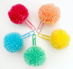 pompom bookmarks looks easy