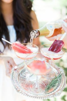 Bridal shower picnic with lots of bubbly #inspiration #bridal #shower
