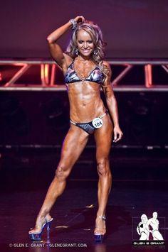 Erin Moubray - Raw Vegan Fitness model