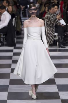 The complete Christian Dior Spring 2018 Couture fashion show now on Vogue Runway.