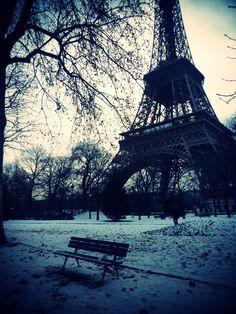 Eiffel Tower / Paris / Winter