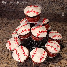 Easy Baseball Cupcakes.. SERIOUSLY Easy | The Kim Six Fix