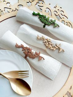 Laser Art, Laser Cut Wood, Wood Laser Ideas, Laser Cutting, Laser Cutter Projects, Cnc Projects, Rustic Napkin Rings, Thanksgiving Decorations, Table Decorations