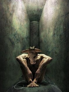 Do you know the story of the Theseus, Ariadne, the King of Crete and the Minotaur? Ivan Kap - At the end of the Labyrinth Magritte, Norse Mythology, Greek Mythology, Kraken, Creta, Minoan, Gods And Goddesses, Archetypes, Mythical Creatures