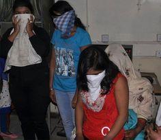 आगरा. पुलिस ने रविवार देर रात एक गेस्ट हाउस पर छापा मारकर 8 युवक-युवतियों को रंगरेलिया मनाते गिरफ्तार किया है। सभी आपत्तिजनक हालत में थे। बताया जाता है कि पकड़ी गई युवतियों में से एक की शादी 2 महीने बाद होनी थी। गेस्ट हाउस में बिना आईडी के लोगों को कमरा दिया जाता था।  – पिछले 6 महीने के भीतर सिकंदरा थाने के सामने और आसपास के होटल, गेस्ट हाउस में सेक्स रैकेट कई बार पकड़ा गया है।  – गेस्ट हाउस में युवती के साथ गैंगरेप मामले की जांच करने रविवार की देर शाम को सीओ कोतवाली राजेश द्विवेदी…