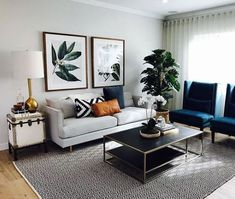 46 Amazing Room Layout Ideas Will Inspire Small Living Room Ideas Amazing Ideas Inspire layout Room Home Living Room, Interior Design Living Room, Small Apartment Living, Modern Apartment Decor, Designer Living Rooms, Home Room, Living Room Decor Ideas Apartment, Living Room And Bedroom In One, Blue And Gold Living Room