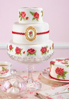 Buy online great variety of designer cake and special cake from giftsxpert. http://www.giftsxpert.in/designercakes