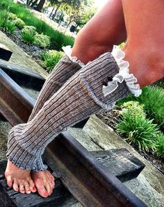 Lace Knitted Leg Warmers - Boot Socks Legwarmers Cuff With Stretchy Lace Trim Lace Boot Socks, Boot Cuffs, Mode Xl, Knit Leg Warmers, Cute Socks, Lace Knitting, Mode Style, Diy Clothes, Lana