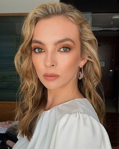 There are certain hair colors that really make lighter-colored eyes stand out. Here are the five best spring hair colors for light eyes. Spring Hairstyles, Loose Hairstyles, Straight Hairstyles, Everyday Hairstyles, Prom Hairstyles, Sandy Blonde, Bright Blonde, Crimped Waves, Gold Eyeshadow Looks