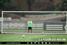 Jorge Torres Nilo durante el entrenamiento de la Selección Mayor