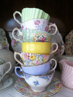My teacups #porcelain #porcelana