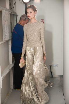 Oscar de la Renta fluid silver pleated maxi skirt.
