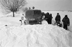 Emlékeztek még az 1986-os igazi nagy télre? | nlc Hungary, Budapest, Vintage Photos, Winter, Outdoor, Winter Time, Outdoors, Old Photos, Outdoor Living