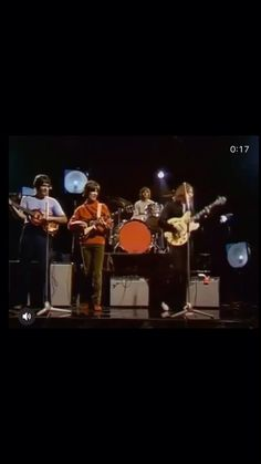 """John's mic is shit"" ""John's mic is shit"" Foto Beatles, Beatles Funny, Beatles Band, Beatles Love, Les Beatles, Beatles Songs, Beatles Videos, Beatles Photos, Great Bands"