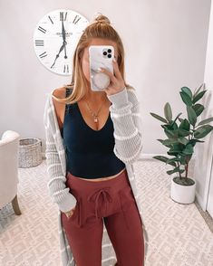 Office Outfits Women Casual, Lazy Day Outfits, Mom Outfits, Simple Outfits, Stylish Outfits, Winter Outfits, Summer Outfits, Cute Outfits With Leggings, Cute Comfy Outfits