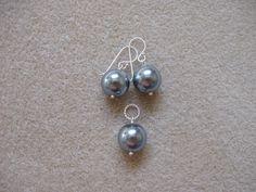 Sea shell pearls earrings and pendant set