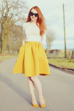 I love this! And yellow is such a perfect color for spring and summer!