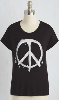 Black and white peace sign t-shirt