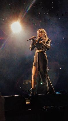My favourite reputation tour dress! Taylor Swift Fotos, Long Live Taylor Swift, Taylor Swift Pictures, Taylor Alison Swift, Swift Tour, Swift 3, Miss Americana, Beyonce, Rihanna
