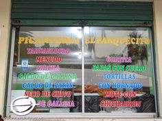 """Frente al parque central de Pomasqui se encuentra ubicada la picantería """"El Parquecito"""" de doña Delia Hernández de 67 años"""