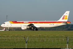 Airbus A321-212 aircraft picture