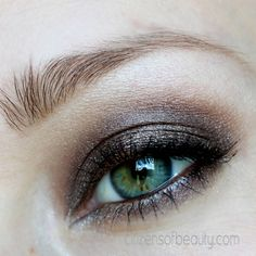 Smoky Eyes #greeneyes #smoky #eyeshadow #josiemaran via @Clitizens of Beauty of beauty