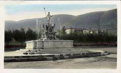 Vintage postcard of c 1920's Malaga Cove Plaza fountain. Palos Verdes California.