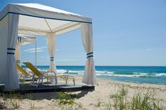 Find HOTEL DISCOUNT at Ocean House Watch Hill hotel in Rhode Island USA, that offers 49 gracious guestrooms and luxury suites and 23 sunny residences. Beach Hotels, Beach Resorts, Hotels And Resorts, Luxury Resorts, Beach Vacations, Beach Travel, Rhode Island Beaches, East Coast Beaches, Watch Hill Rhode Island