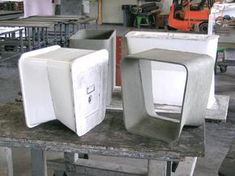 Eternit Stools and Tables by Nicolas Le Moigne « Dustbowl Concrete Formwork, Concrete Stool, Concrete Forms, Concrete Furniture, Concrete Art, Concrete Projects, Concrete Design, Furniture Design, Urban Furniture