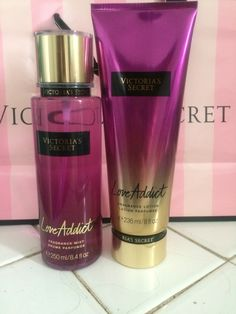 This fruity floral perfume is highlighted by a bouquet of fragrant fruity, powdery and citrus tones that are scented will bring… Victoria Secrets, Loción Victoria Secret, Perfume Victoria Secret, Victoria Secret Body Spray, Victoria Secret Fragrances, Bath And Body Works Perfume, Perfume Body Spray, Fragrance Lotion, Fragrance Mist