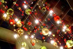 Новогодние шары.   #новыйгод #елка #новогодняяелка  #оформление #декор #дизайн #банкет  #флористика #композиция