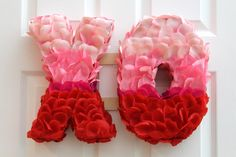 Hugs and Kisses Valentine's Day Wreath | eHow.com