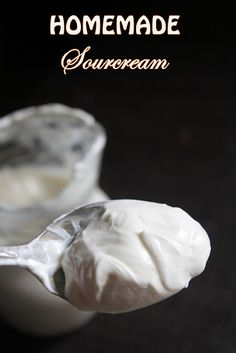 Sour cream is a quite famous dipping sauce or spread for many dishes.I was thinking about making a eggless che. Sour Cream Chip Dip, Sour Cream Donut, Sour Cream Biscuits, Sour Cream Banana Bread, Sour Cream Cookies, Sour Cream Pancakes, Make Sour Cream, Homemade Sour Cream, Sour Cream Pound Cake