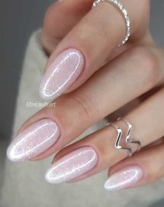 These pretty nails are just perfect for Spring 36 - romantic nail art, white nail art designs, romantic nail polish color, pretty nail art designs, nai - Romantic Nails, Elegant Nails, Stylish Nails, Hair And Nails, My Nails, Soft Pink Nails, Pink Nail Art, Nagellack Design, Bride Nails