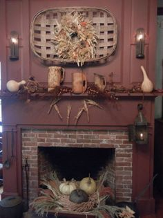 60 Fall Mantel Decorations Ideas You Can Apply For Your Living Room Gorgeous 60 Fall Mantel Decorati Primitive Fireplace, Primitive Homes, Diy Fireplace, Country Primitive, Primitive Mantels, Primitive Fall Decorating, Primitive Autumn, Brick Fireplaces, Cottage Fireplace