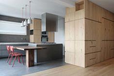 Modern single family residence located in Brembate di Sopra, Italy, designed in 2017 by Okam Studio.