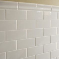 American Olean Starting Line Gloss White Subway Tile Ships free from our warehouse in TX. Perfect for just about any wall - kitchen backsplash, shower wall, etc. Bathroom Remodel Shower, Bath Tiles, Exterior Tiles, Bath Mirror, Colorful Kitchen Decor, Bathroom Installation, White Subway Tile, Kitchen Tiles Backsplash, Recycled House