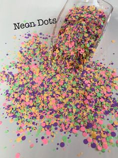 Resin Crafts, Resin Art, Projects For Kids, Crafts For Kids, Diy Projects, Neon Purple, Neon Yellow, Pink, Bomb Making