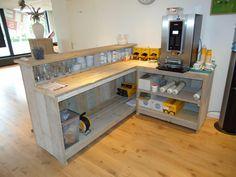 Diy Bar, Diy Home Bar, Bars For Home, Coffee Shop Design, Cafe Design, Home Bar Plans, Home Coffee Stations, Home Bar Designs, Counter Design