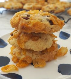 This classic Cornflake Biscuit recipe is easy to make and can also be made using a Thermomix too. It makes 24 good sized biscuits, the perfect lunchbox snack! Cornflake Cookies Recipe, Cornflake Recipes, Yummy Cookies, Sugar Cookies, Biscuit Cake, Biscuit Cookies, Biscuit Recipe, Heart Cookies, Cookie Recipes