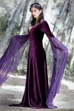 A Beautiful Purple Medieval Costume For Women | Medieval Clothes ...