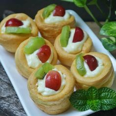 Fruit Salad Recipes, Snack Recipes, Cooking Recipes, Snacks, Dessert Cake Recipes, Pudding Desserts, Indonesian Desserts, Indonesian Food, Cooking Cake