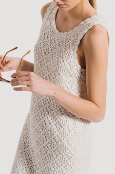 Fabulous Crochet a Little Black Crochet Dress Ideas. Georgeous Crochet a Little Black Crochet Dress Ideas. Crochet Summer Dresses, Black Crochet Dress, Crochet Skirts, Crochet Clothes, Cardigan Au Crochet, Crochet Blouse, Knit Crochet, Easy Crochet, Dress Patterns