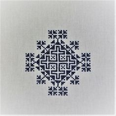 Zmijanje embroidery/ Zmijanjski vez/ズミヤニェ刺繍(ボスニア・ヘルツェゴビナ)2018年1月作成 Cross Stitch Designs, Cross Stitch Patterns, Macrame Bag, Knit Mittens, Vintage Pins, One Color, Blue And White, Textiles, Embroidery