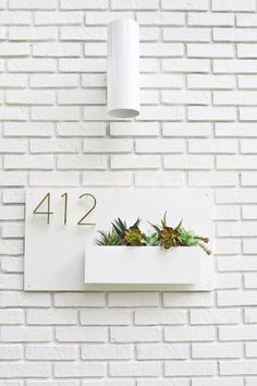 Modern House Number Planter 2019 Modern house numbers and planter The post Modern House Number Planter 2019 appeared first on House ideas. Deco Cool, Decoration Entree, Decoration Inspiration, Design Inspiration, Decor Ideas, Art Ideas, Deco Design, Beautiful Mess, House Front